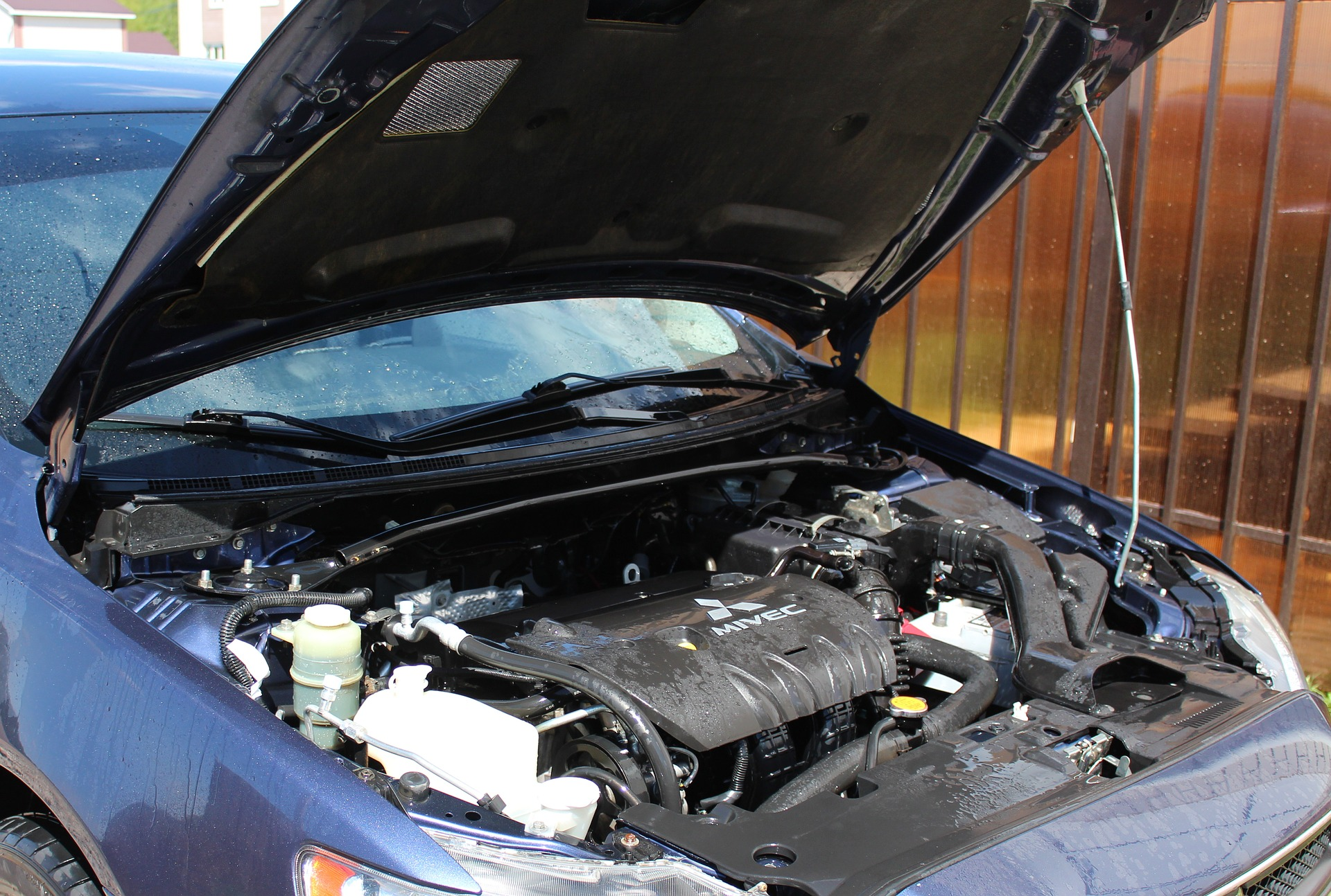 4 Ways to Keep from Getting Slammed with a Huge Car Repair Bill